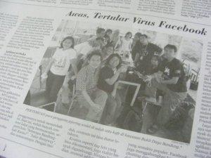 Sebagian dari para peserta kopdar yang beruntung masuk koran (Foto dipinjem dari Bagus Rully)